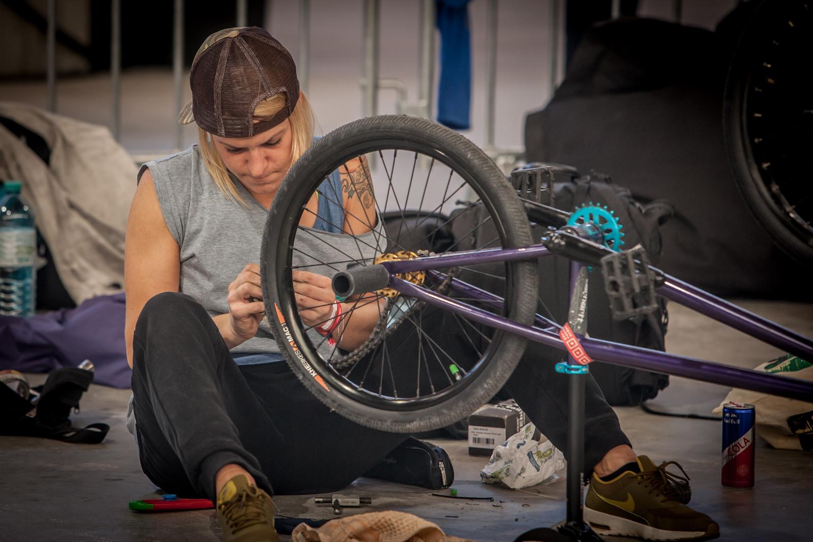"""Seit 2010 gibt es unter dem Namen """"Vienna Jam"""" eine jährliche Zusammenkunft von BMX-Fahrern und - wenigen, aber doch - Fahrerinnen der Disziplin Flatland. Heuer fand diese Veranstaltung im Rahmen der WFS statt."""