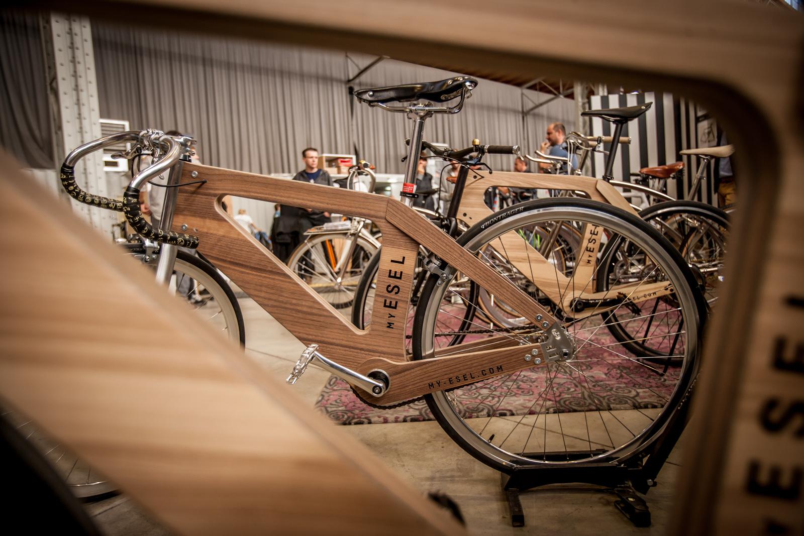 Ein Hoch auf die Individualität feiert My Esel mit maßgefertigten Fahrrädern aus Holz.