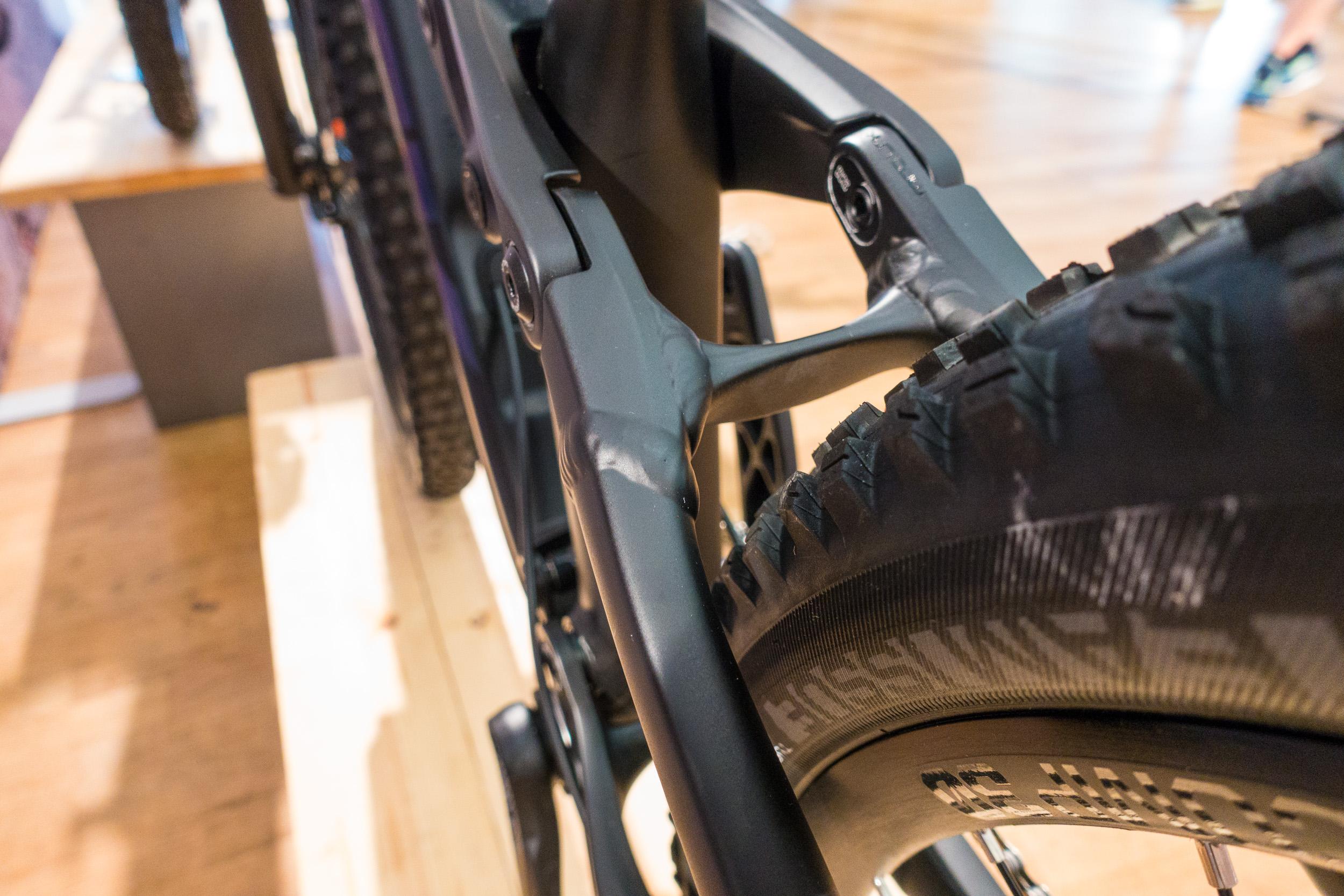 #3 Die Geometrie lässt sich per Mino Link anpassen und ermöglicht so ein Enduro-Racebike und ein Trailbike in einem.