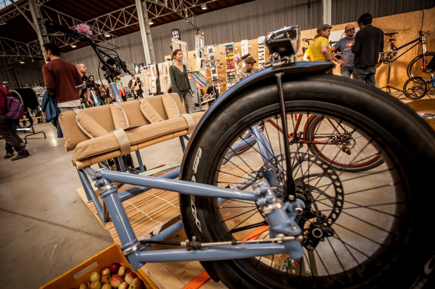 """Auch das ist ein Retrovelo. Ein """"Alltags-Fat-E-Cargo-Bike"""", einspurig und stromgestützt. Sein Name ist Ballonjohn."""