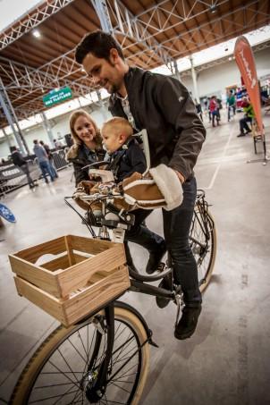 ... große und kleine Fahrrad-Fans freuten.