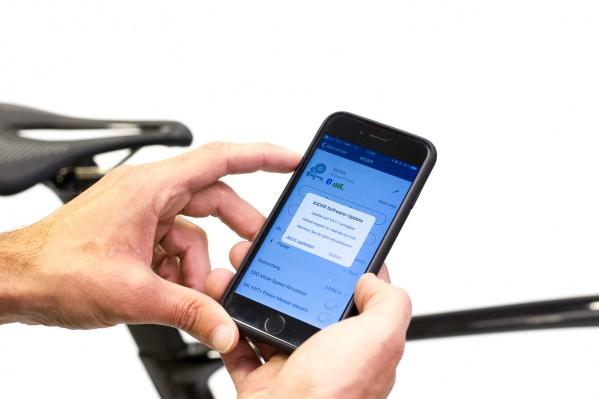 Ist eine neue Firmware verfügbar, schlägt die App automatisch ein Update vor.