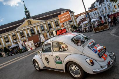 Wohnmobilparkplatz und perfekte Ausschilderung im Ort verbreiteten allseits Vorfreude auf das Kommende. Bürgermeister