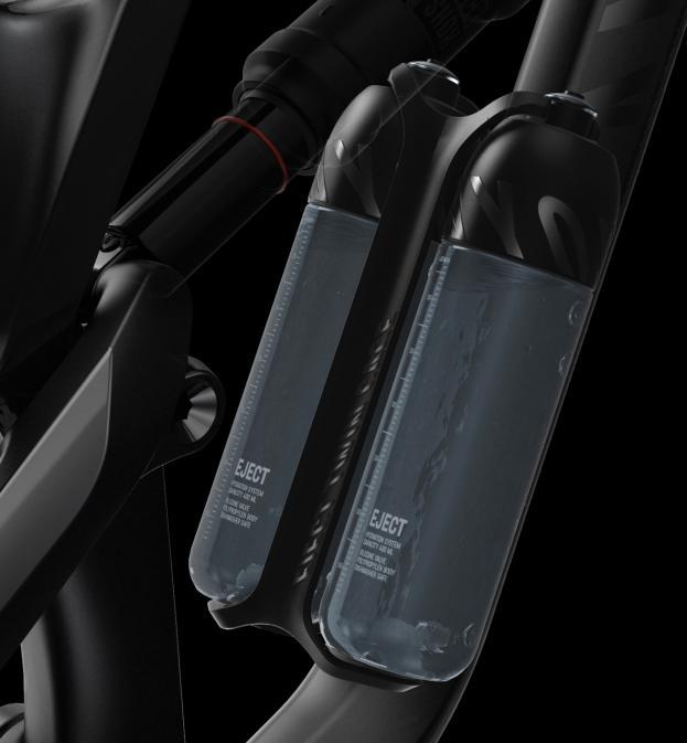 In den XS und S Rahmen finden zwei spezielle 400 ml Flaschen Platz. Ab Größe M kann Canyons eigener Sideload Cage verwendet werden.