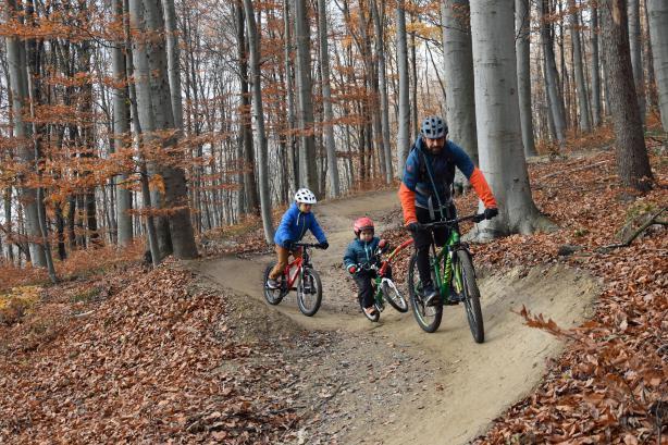 Trailcenter BikerInnen mit unterschiedlichsten Ansprüchen.