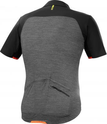 Allroad Jersey, Black/Asphalt: Funktioneller Mix aus Kunstfaser-Material und Merinowolle für kürzere Trocknungszeiten, klassisch geschnittener Kragen. UVP € 150,-