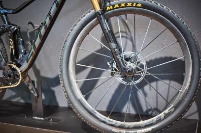 Für das Spark RC SL 900 ist das Beste gerade gut genug. Syncros Silverton SL Laufräder, Shimano XTR