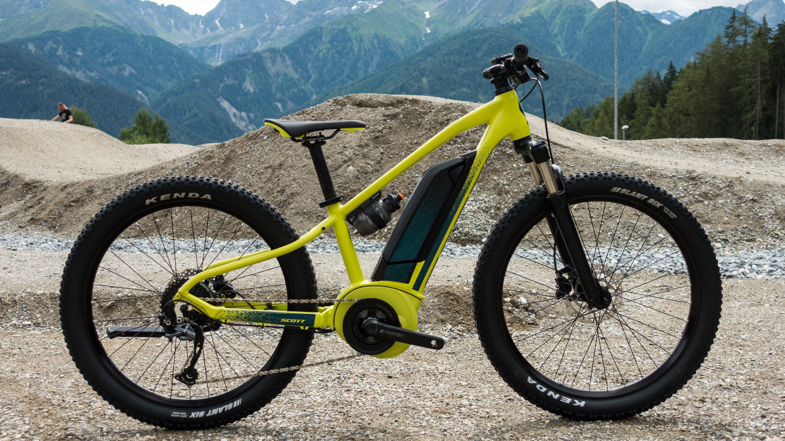 """Sieht klein aus und ist es auch. Das Roxter eRide ist ein E-Bike für Kinder in 24 und 26""""."""