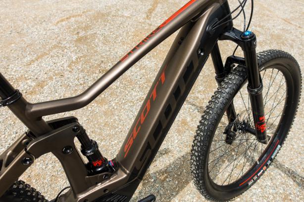 kombiniert Scott mit Boschs Performance CX Antrieb und formschön integriertem Powertube Akku.