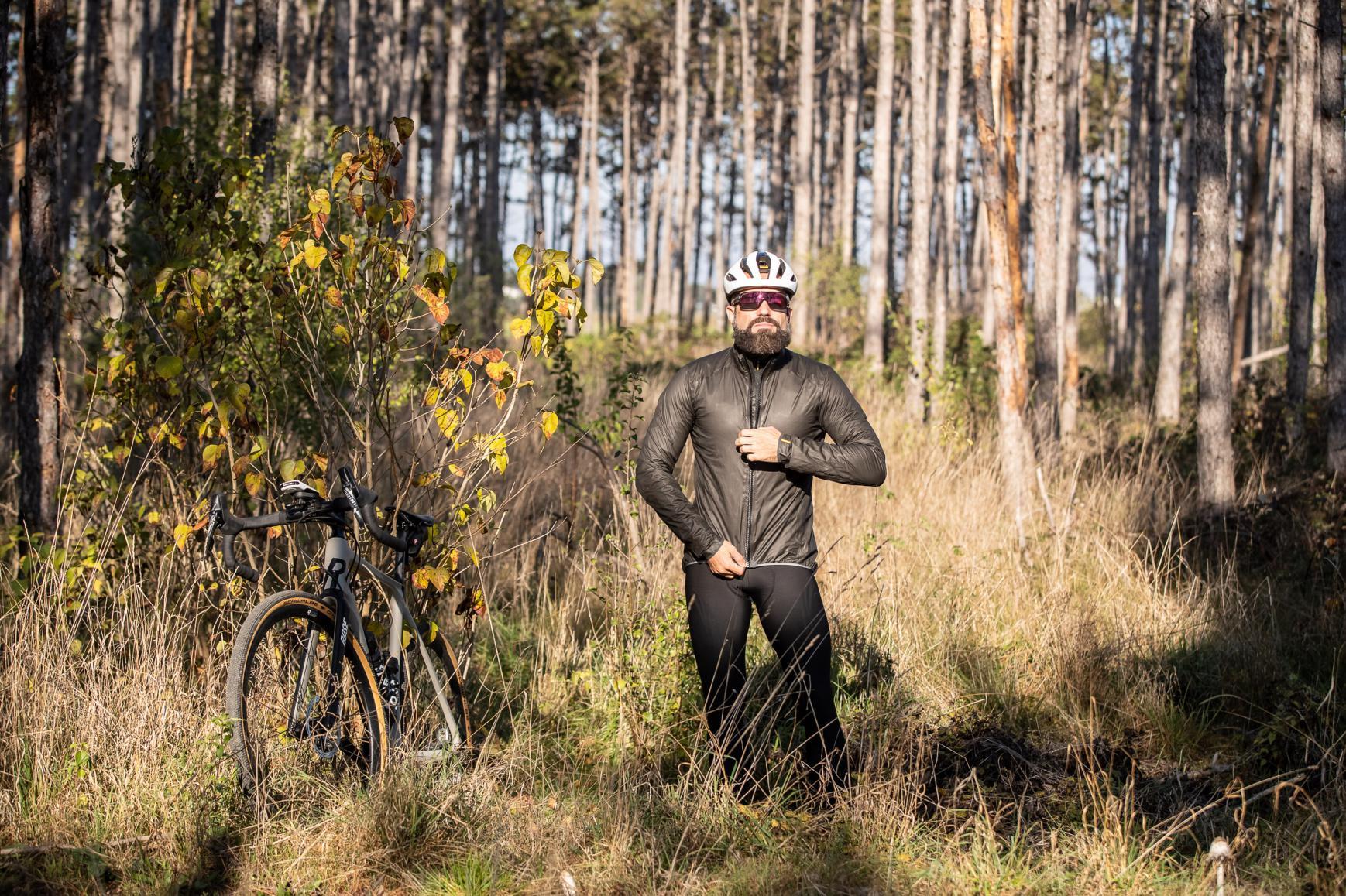 #4 Jacke über Weste (Kälte und Wind/Regen)