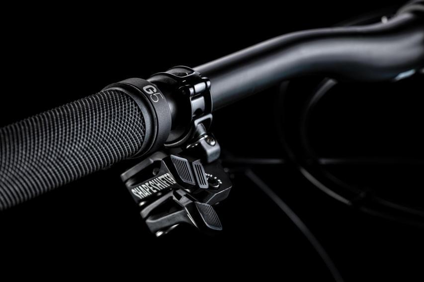 Der Trigger für den Shapeshifter teilt sich die Montageklemme mit jener des Droppers.
