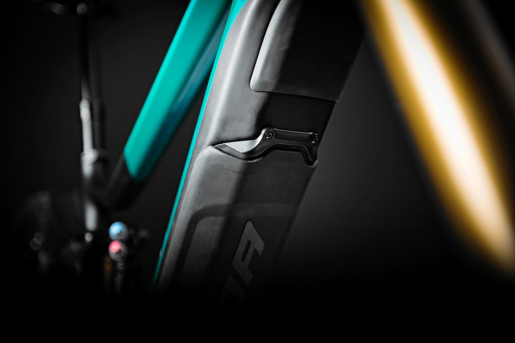 Shimano Steps BT-E8035 Batterie: Der neu vorgestellte Intube-Akku besticht mit kompakten Abmessungen und lässt sich formschön, klapperfrei und sicher in das Unterrohr integrieren.