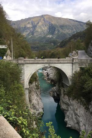Abenteuern, zuletzt wie hier auf der Napoleonbrücke über die Soca