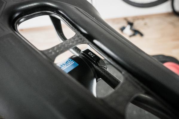 Dabei unbedingt die richtigen Rail-Adapter verwenden. 7x7 und 7x9 befinden sich im Lieferumfang.