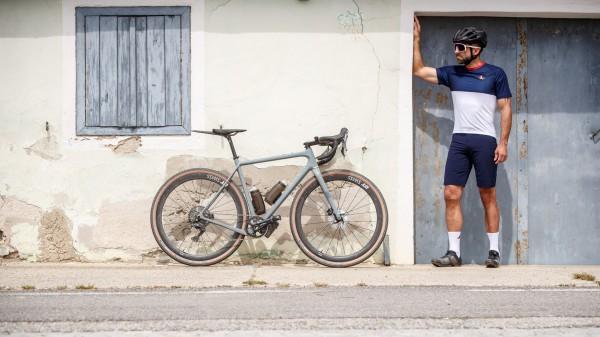 Café du Cycliste: Gravel-Kollektion mit dem Flying Fish