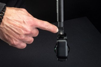 Super: Insta360-Selfie-Stick, Original-Mount und -Rahmen.