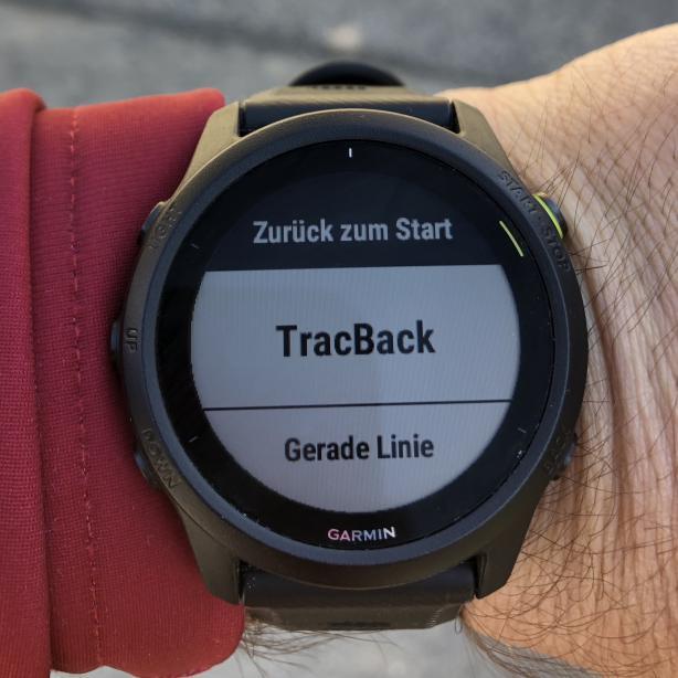 TracBack entlang des aufzeichneten Weges oder Luftlinie stehen zur Wahl.