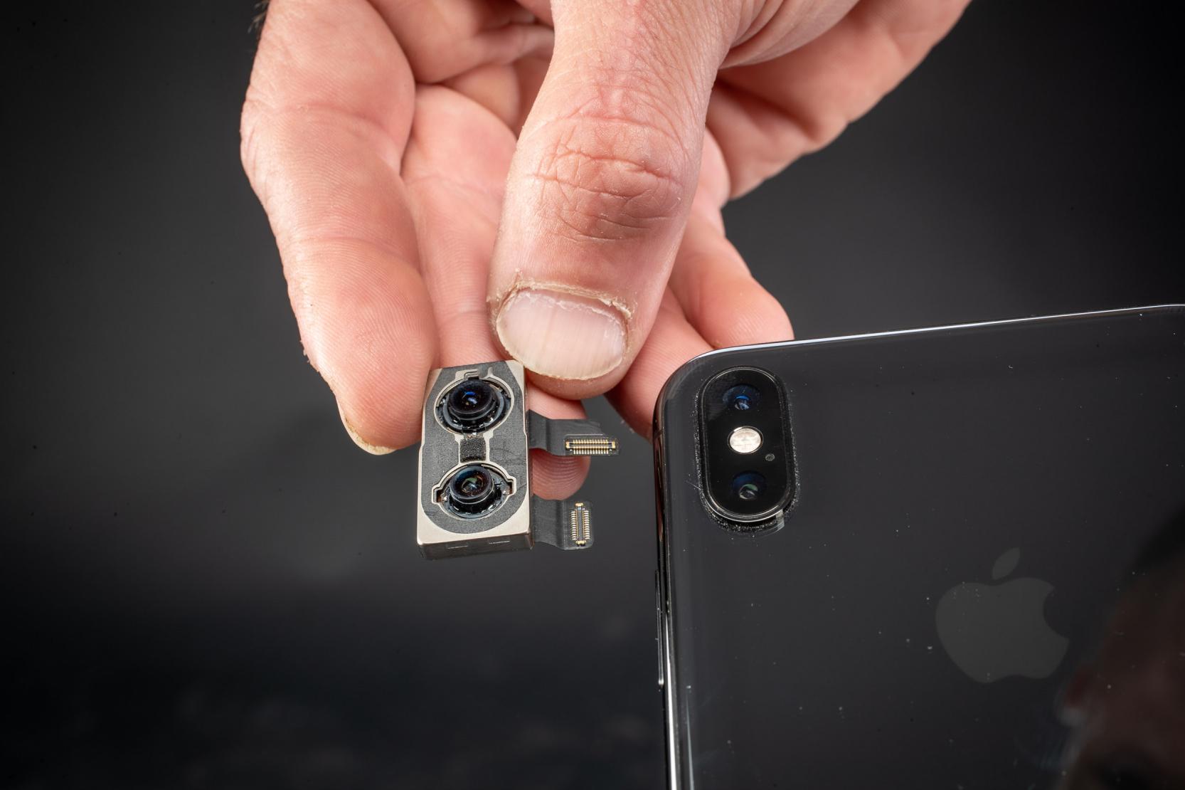 Rep #1: iPhone XS Rückkameratausch