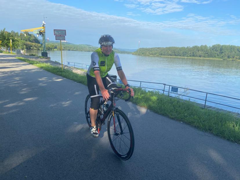 """Aktuell pedaliert sie täglich für einen neuen """"HMMR"""" am Donauradweg"""