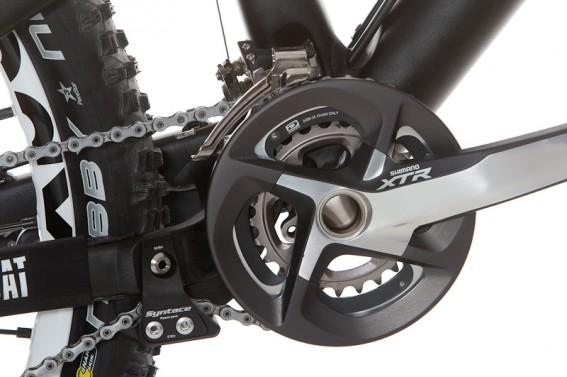 ein kleines Highlight: der Bashguard von www.tf-bikes.at für die Shimano XTR Kurbel und der fast lautlose und schaltbare Syntace Kettenspanner
