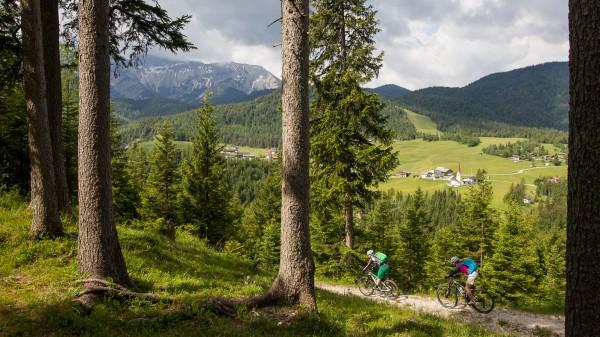 Alpines Gondeln mit der Bikeschaukel Tirol