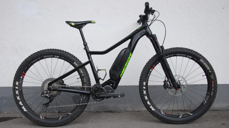 Wie alle abgebildeten Bikes noch in Vorserie und darum schwarz: das eBIG.Trail. In Serie geht's dann deutlich bunter zu.